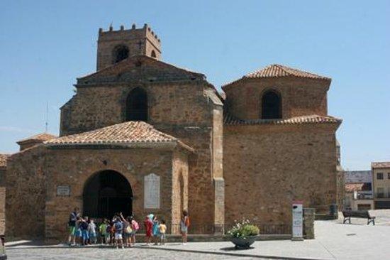 Agreda, สเปน: Exterior de la iglesia