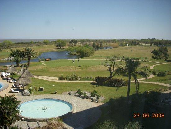 Sheraton Colonia Golf & Spa Resort : Precioso parque muy bien cuidado.