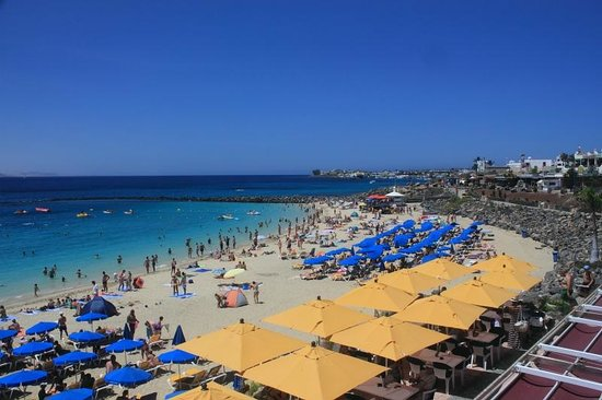 Princesa Yaiza Suite Hotel Resort: The beach near the hotel