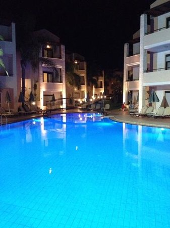 Creta Palm: mainpool