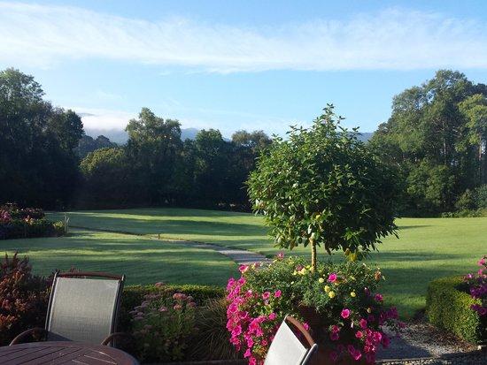 Friars Glen : Blick von der Sitzecke in den Garten