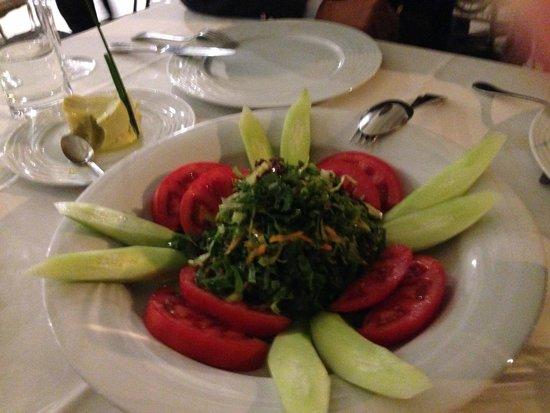 Mavri Thalassa: Salad