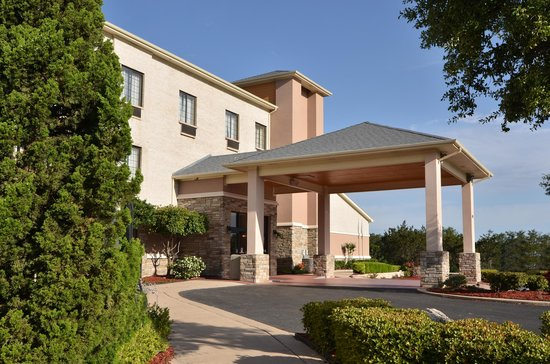 Comfort Inn & Suites Burnet: Discover the best of Burnet and enjoy your stay at the Comfort Inn.