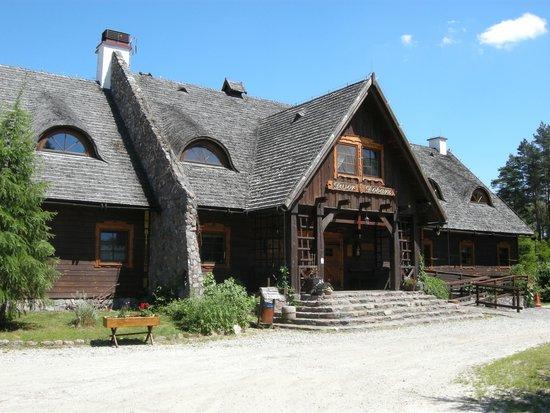 Dwor Dobarz: The Tsars hunting lodge