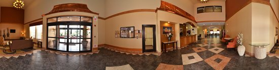 Comfort Inn & Suites Burnet: First impressions are the most important, and our chic lobby is no exception to that rule.