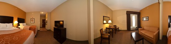 Comfort Inn & Suites Burnet: Enlarged photo of our luxury 2 queen Bed Suite