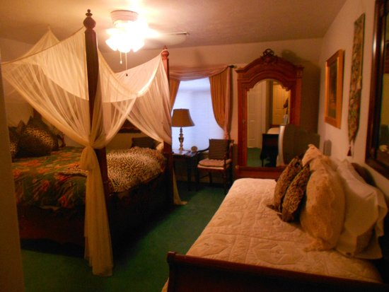 Novel House Inn at Zion: Kipling Room