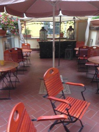 Hotel Le Clarisse al Pantheon: 2nd Floor Terrace
