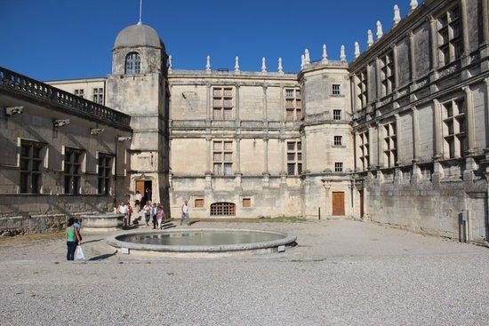 Château de Grignan : exterieur du chateau