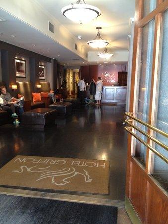 Hotel Griffon : Hotel Entrance