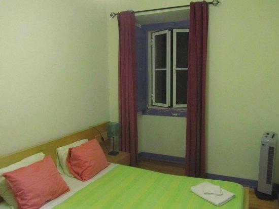 Lisbon Happy Hostel: Camera doppia con bagno privato (Terzo Piano)