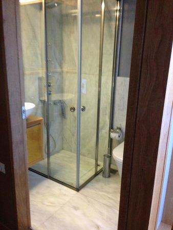 Monastery Boutique Hotel: Bathroom