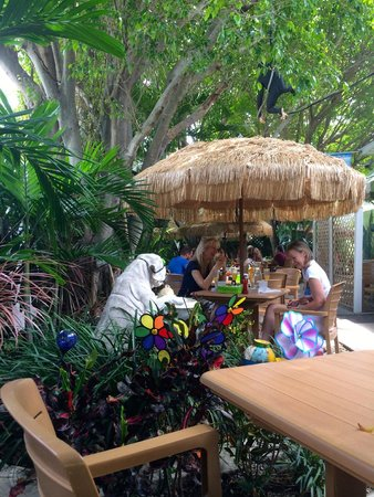 Sweet Sage Cafe: Seating in the garden