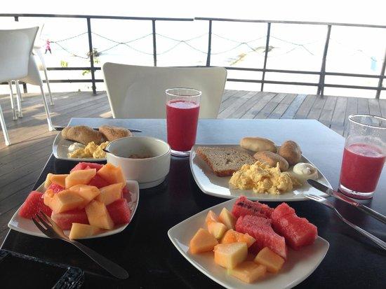 Hotel Tequendama Inn Santa Marta by Sercotel : desayuno