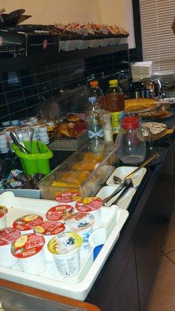22 Marzo Hotel: colazione a buffet