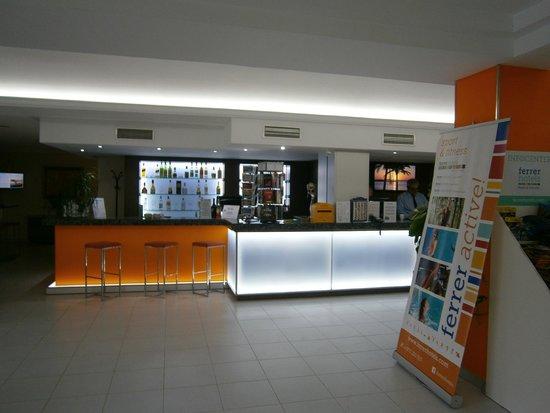 Aparthotel Ferrer Maristany: Reception