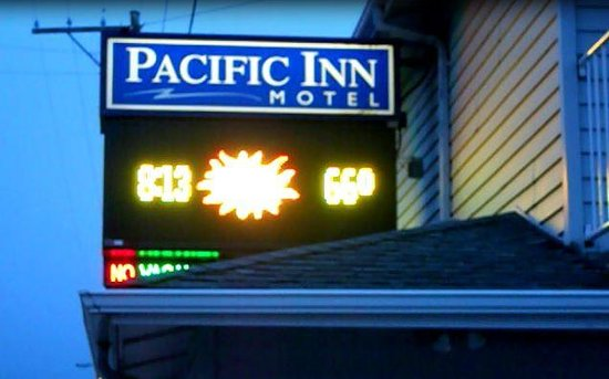 The Pacific Inn Motel: Hotel sign