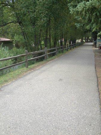 Tiny Town: Flat path