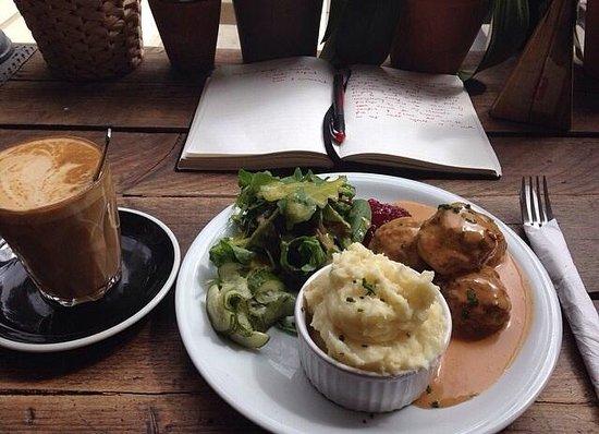 Cooper and Wolf London: My swedish meatballs lunch!! V V V TASTY