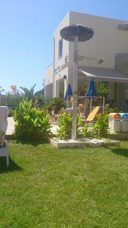 Rania Beach Hotel: Nyare delen av hotellet
