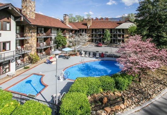 River edge motor lodge 118 2 4 4 39 excellent for Motor lodge gatlinburg tn