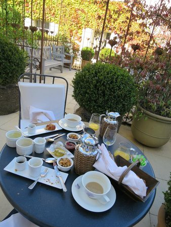 Relais & Chateaux Michel Trama: delicious breakfast outside of the room