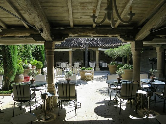 Relais & Chateaux Michel Trama: marvelous outdoor dining on a lovely summer's eve