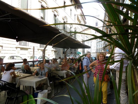 La Sosta de' Golosi : Outside Seating Area