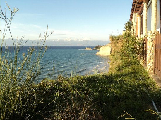 7th Heaven Cafe: Perraloudes Cliffs