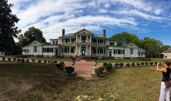 Belle Grove Plantation Bed and Breakfast: A Pano of the BnB