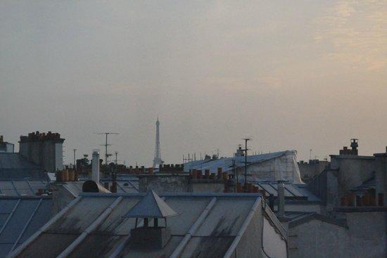 Moulin Plaza Hotel : Eiffel Freakin' Tower