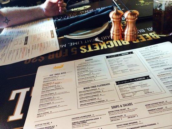 The Pub : Menus and Table