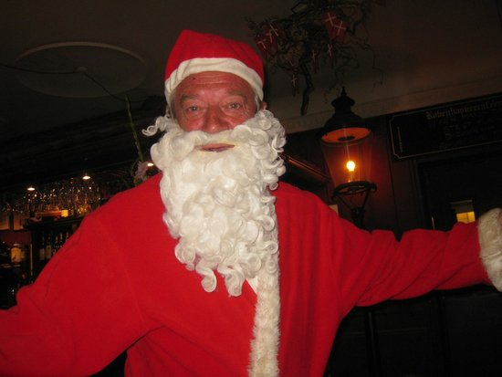 Koebenhavner Cafeen: Santa visits in September