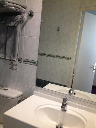 Hameau De Passy : Nice clean bath