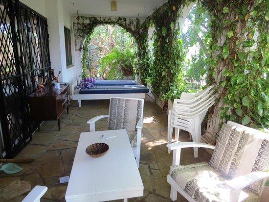 Backpacker's Nirvana: veranda