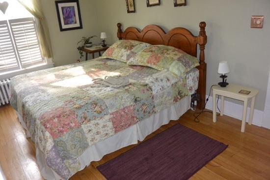Locust Hill Inn, Cabin & Pub: Suite Dreams - bedroom