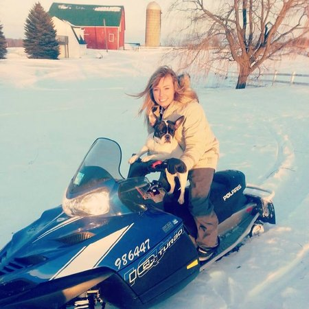 Mountain Ash Farm : Snowmobiling