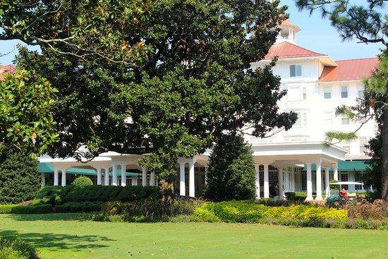 The Carolina Hotel - Pinehurst Resort: Exterior
