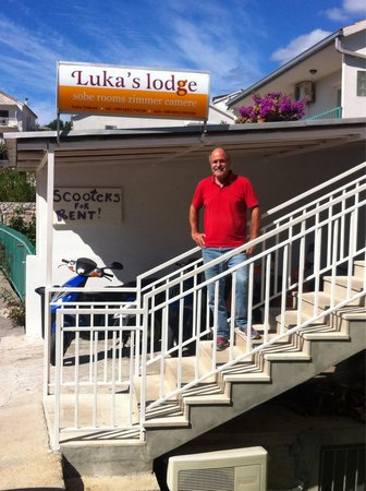 Luka's Lodge : Luka - the owner, in front of the hostel