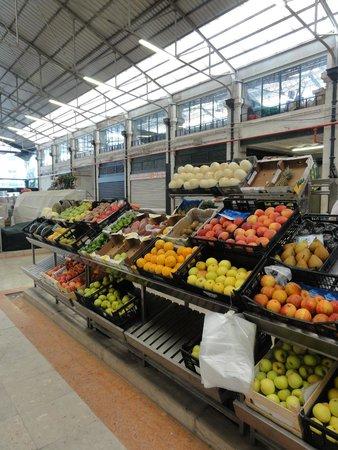 Eat Drink Walk : Some stalls at the Mercado da Ribeira