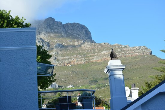 2Inn1  Kensington: Lions Head view