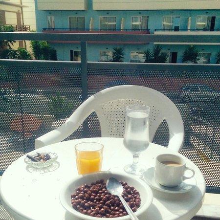 Kleoniki Mare: Breakfast on the balcony