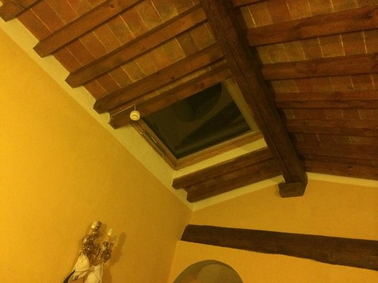 Hotel Donatello: окно на крыше