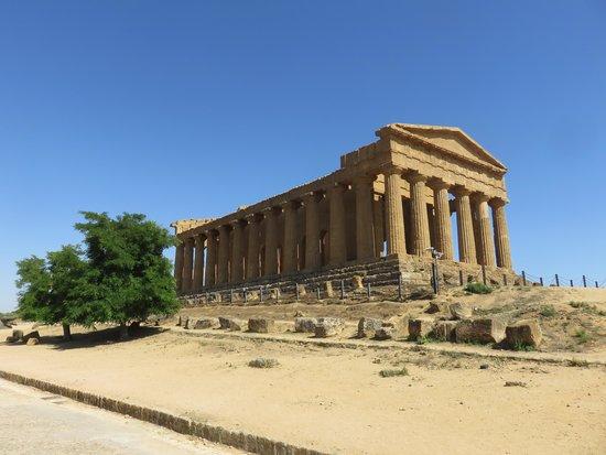 Sicily Tour Guides Agrigento: храм