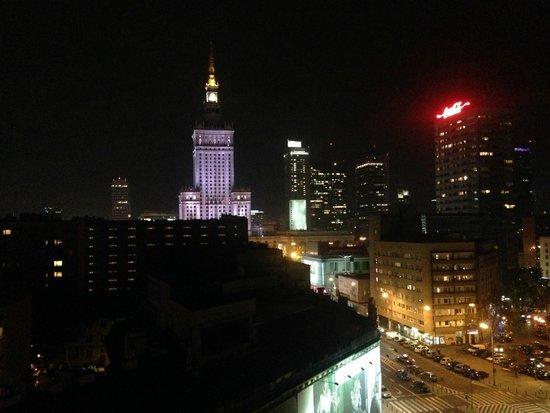 Zgoda Apartments Hotel: Panorama notturno