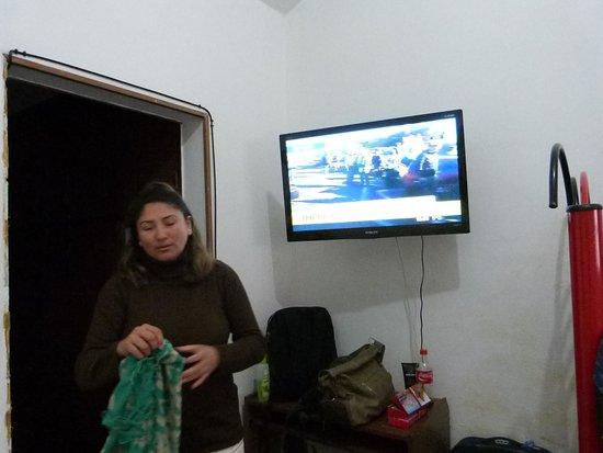 Happy Happy Hostel: Televisor en la habitación de buen tamaño.