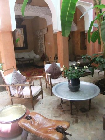 Riad Dar Attajmil: Lounge