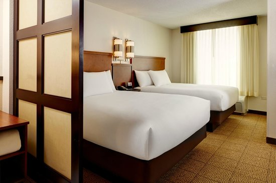 Hyatt Place Herndon / Dulles Airport - East: Double Guestroom
