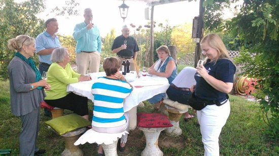 Valleandona, Italië: Wine tasting at Villa Sampaguita on the arriving day