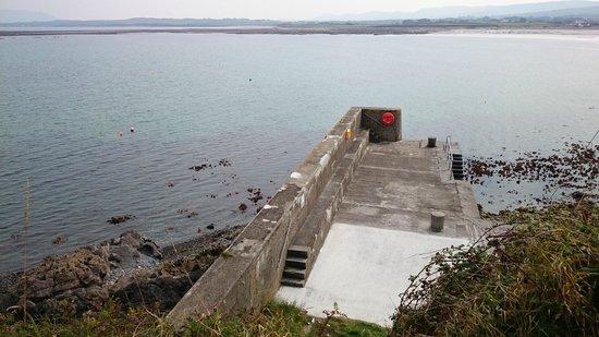 Aughris Cliff Walk: the pier